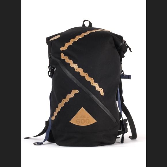 88093b993573 рюкзак Гоша Орехов Rolltop Grubo 600 черный купить в Челябинске